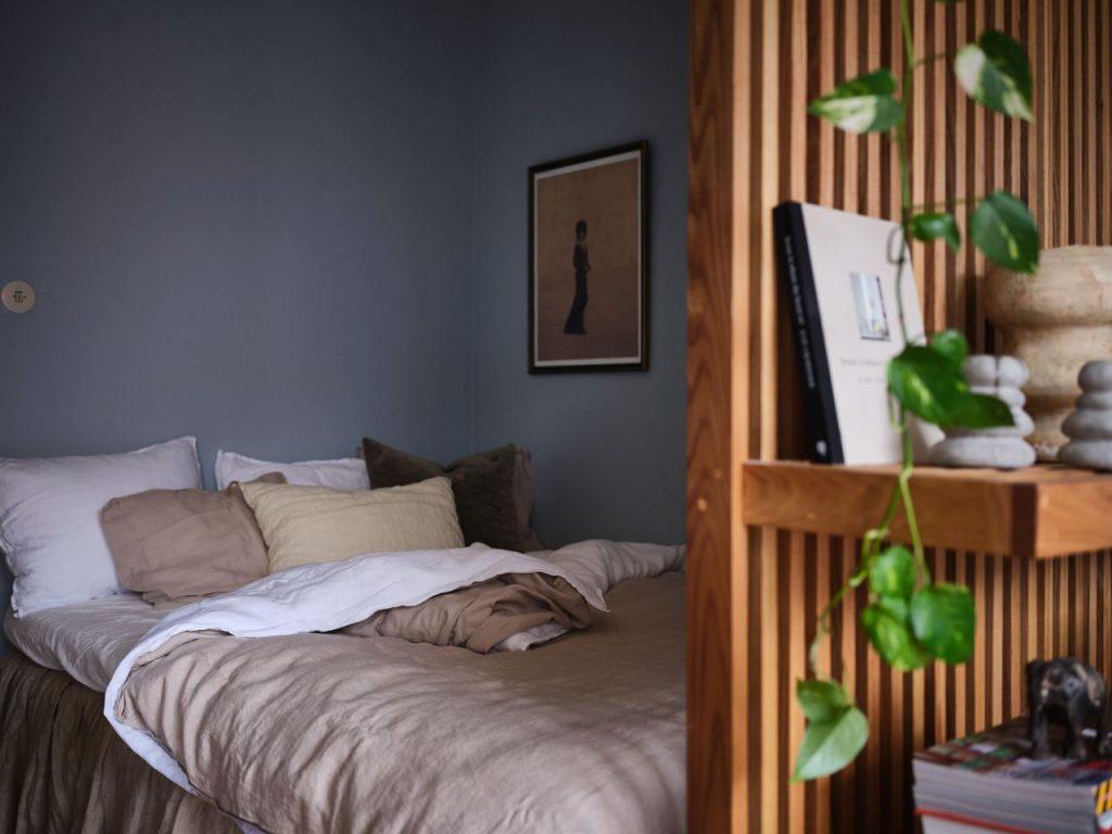 tiny studio apartment bedroom makeover