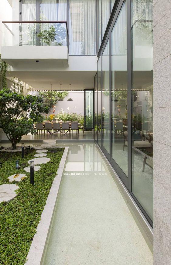 beautiful open-concept garden