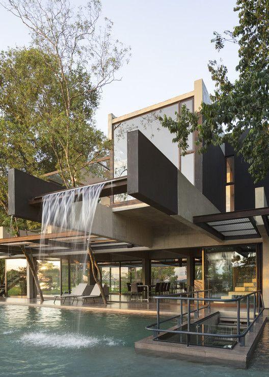 glass facade for maximizing natural lighting