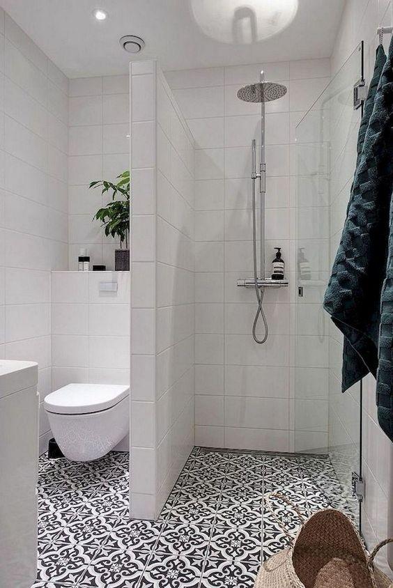 tiny bathroom decors