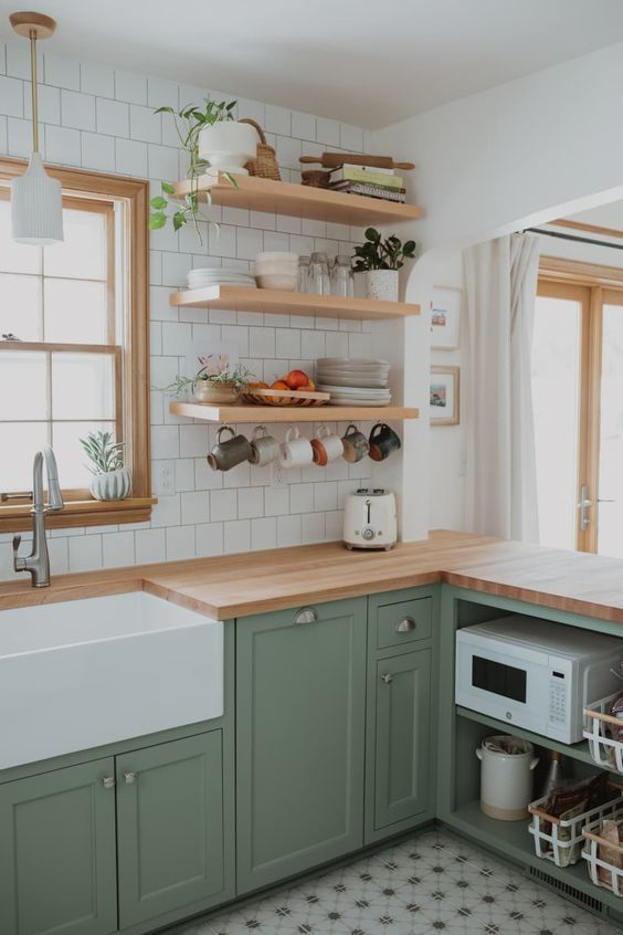 maintaining cleanliness kitchen tips