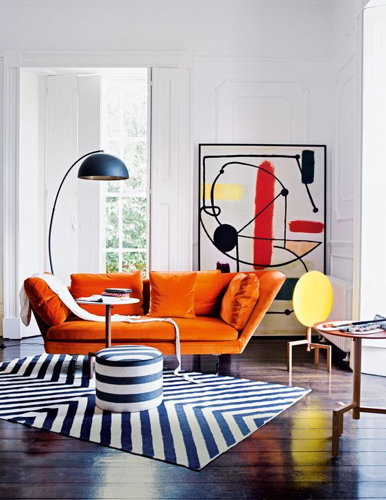 fresh small living room with contrast color