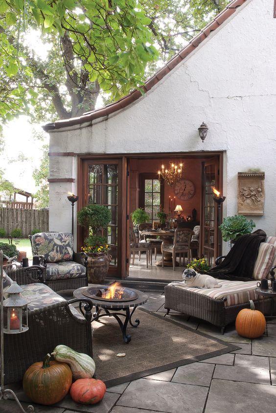 old look outdoor decors