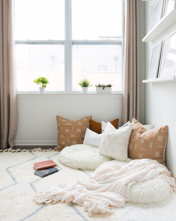 cozy reading nook decor